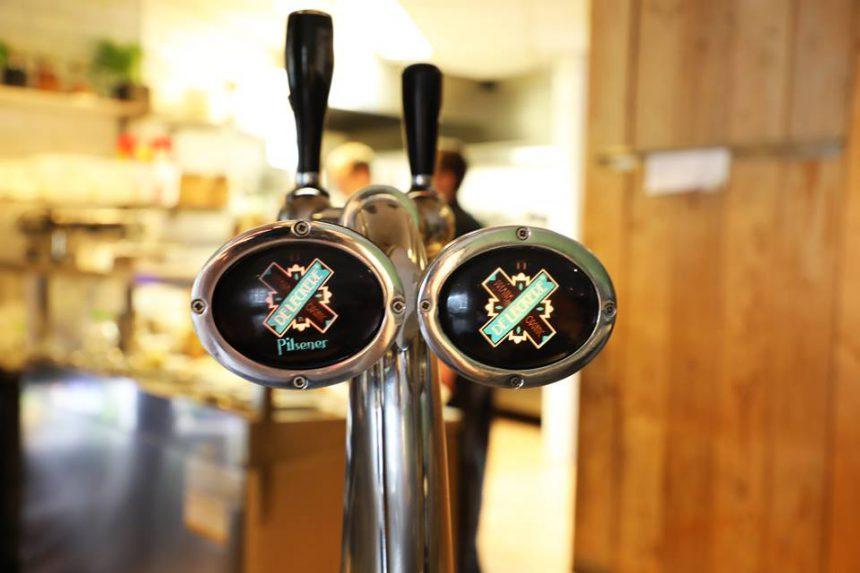 Biologisch bier De Leckere eetatelier houten restaurant
