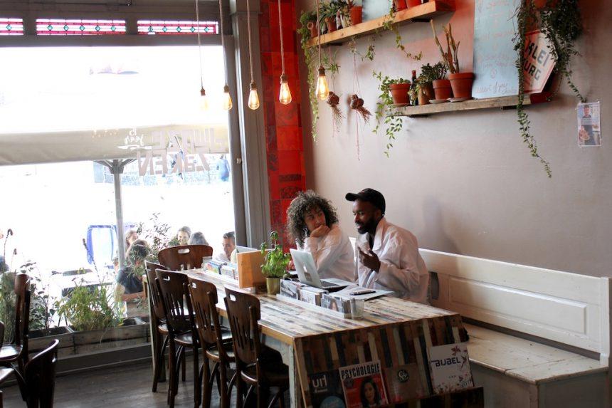Dwaze Zaken Amsterdam biologisch restaurant puuruiteten