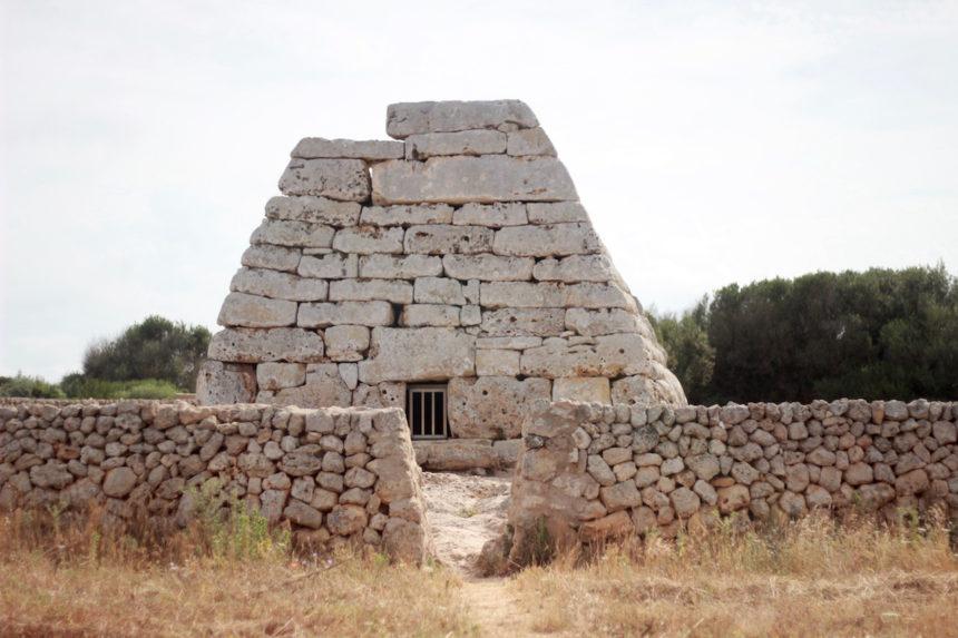 Naveta des Tudon Menorca tips