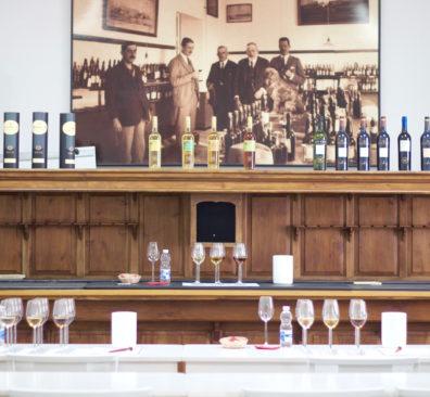 Bezoek de sherry bodega's!