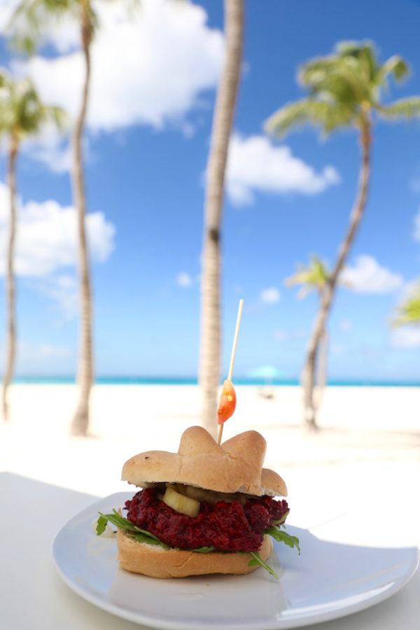 Elements Restaurant Aruba veggie burger vegetarian restaurants aruba puuruiteten reisblog
