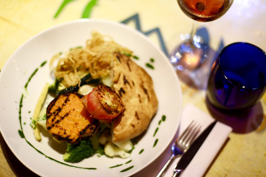 Yemanja Aruba restaurants puuruiteten vegan food BBQ Oranjestad