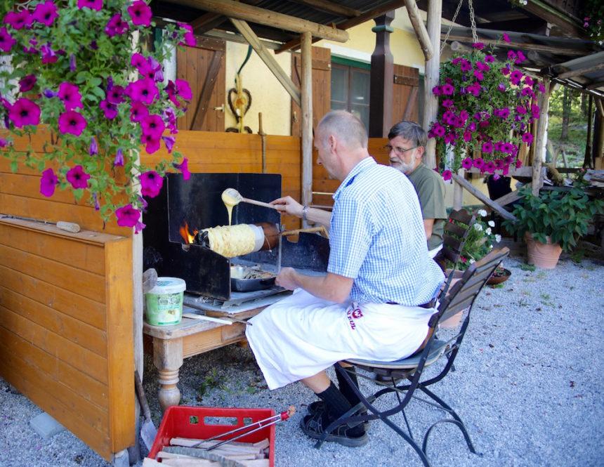Prügel Torte maken Gasthof Kaiserhaus Tirol