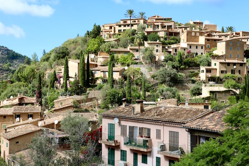 Deià Mallorca reizen puuruiteten