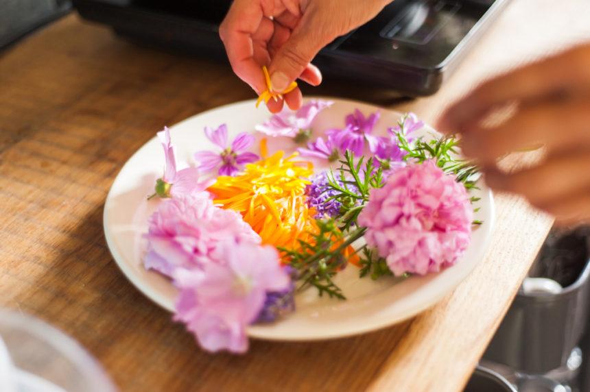Winactie boek Eetbare Schoonheid eetbare bloemen