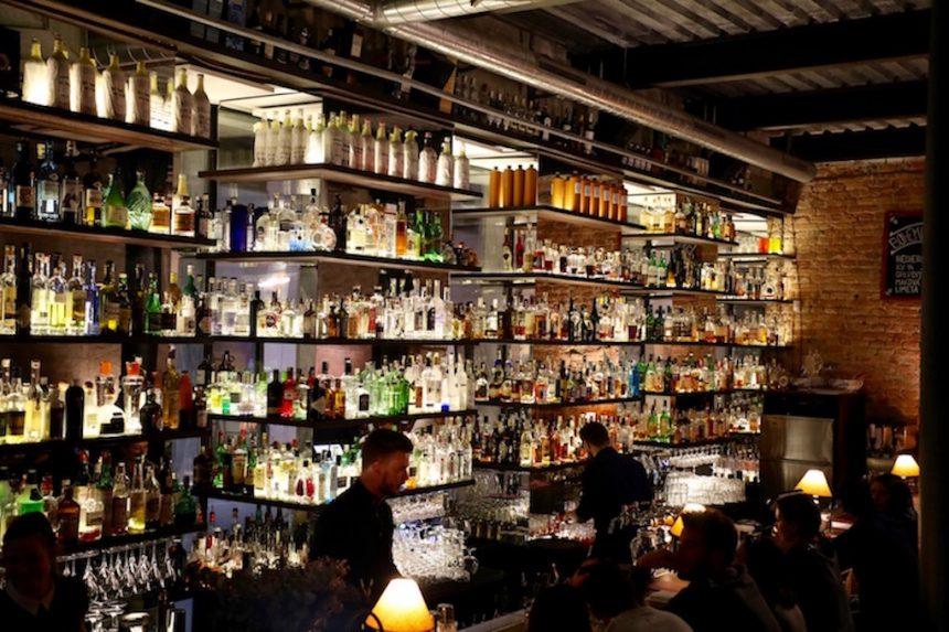 Bar který neexistuje Brno bar die niet bestaat cocktailbar