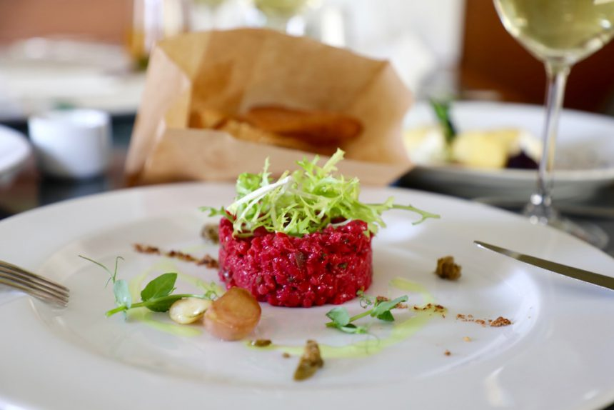Etnosvet vegetarisch restaurant Praag vegan steak tartare