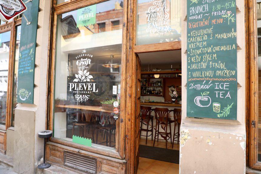 Plevel vegan restaurant Praag