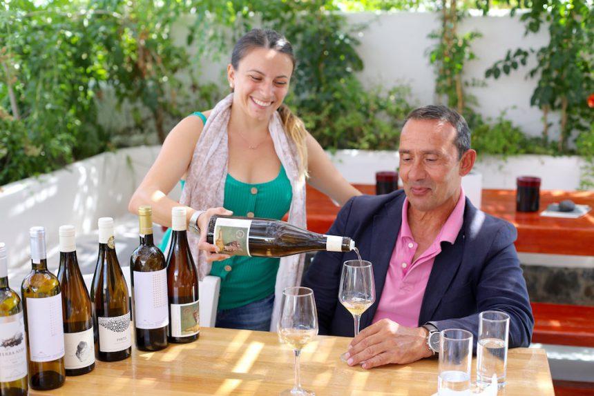 Artemis Karamolegos Santorini wijn