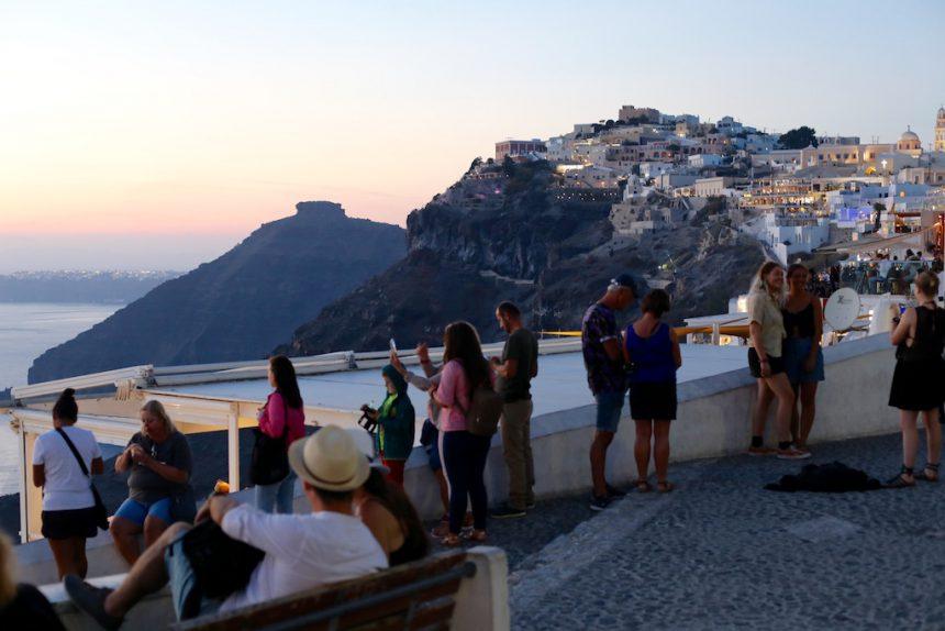 Santorini zonsondergang in Fira