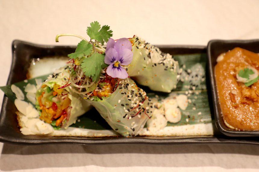 vegan spring rolls satesaus recept